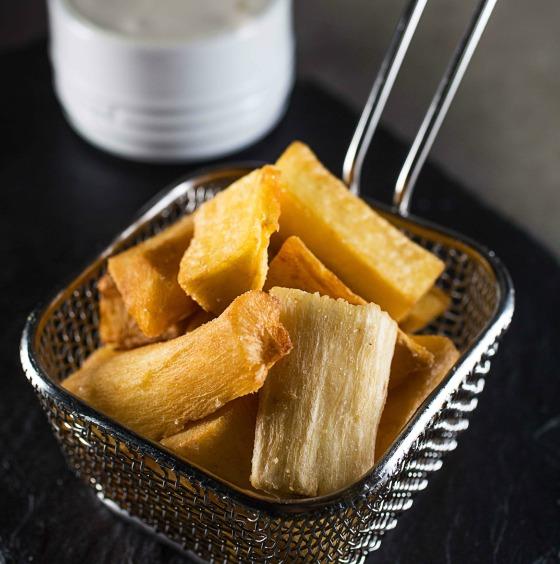 Pipo_Aipim frito com espuma de queijo coalho_crédito Tomas Rangel