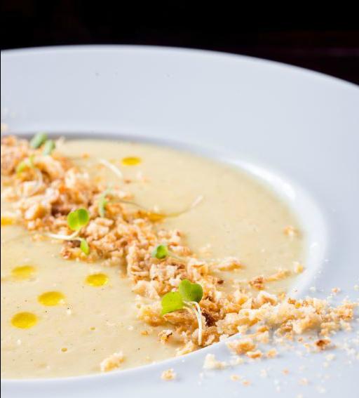 QBistrôBrasileiro_Creme de milho com queijo minas meia cura, baunilha e farelo de pão de queijo (2)