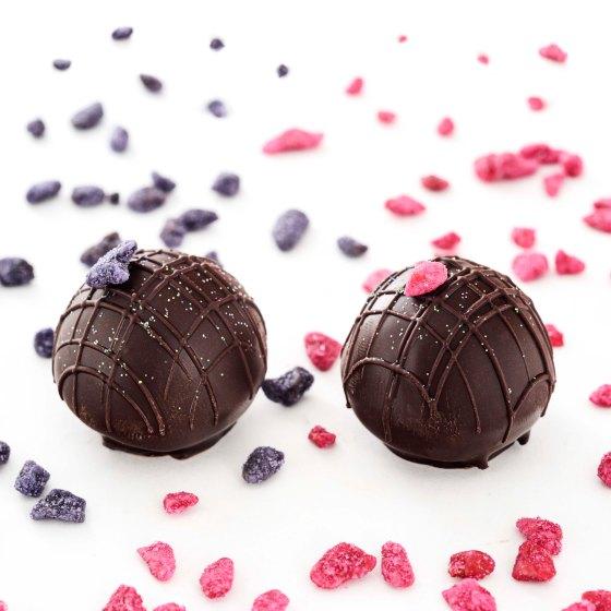 Beth Chocolates_Trufas rosas e violetas_crédito divulgação