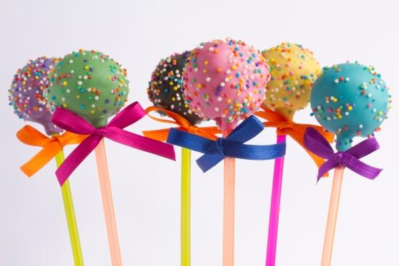 Brigadeiros Fabiana D'Angelo_Cake Pops_crédito Guiga Lessa-04.jpg